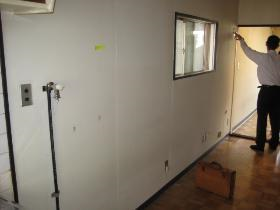 壁ペンキ仕上 床フローリング